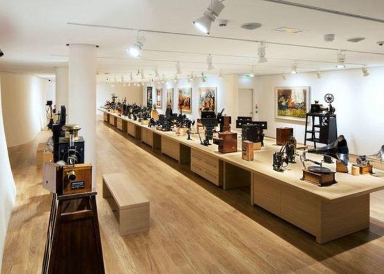 Visite Commentée De La Galerie Des Appareils De La Fondation Jérôme Seydoux - Pathé à Paris 13ème