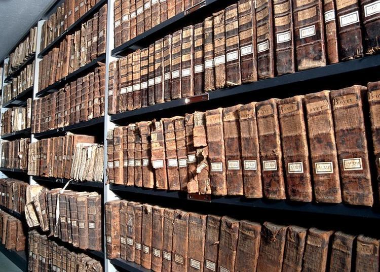 Visite Commentée Des Archives Départementales De La Drôme. à Valence