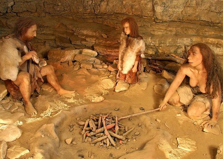 Visite Commentée Des Grottes De Soyons.