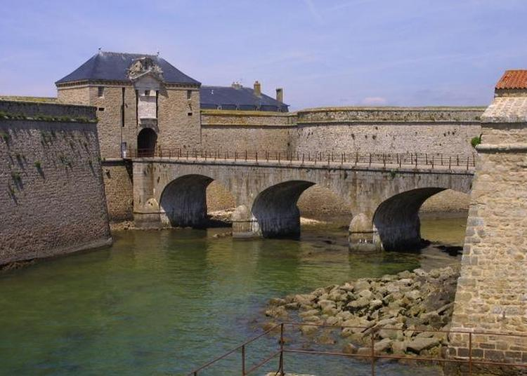 Visite Commentée Des Remparts De La Citadelle à Port Louis
