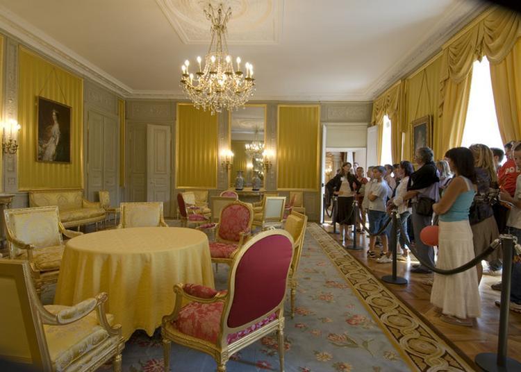 Visite Commentée Des Salons D'honneur à Chambery
