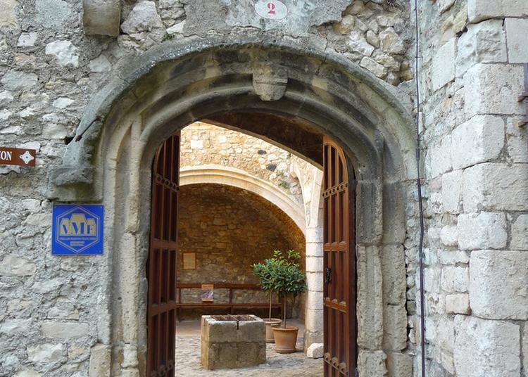 Visite Contée Sur L'histoire De Viviers.