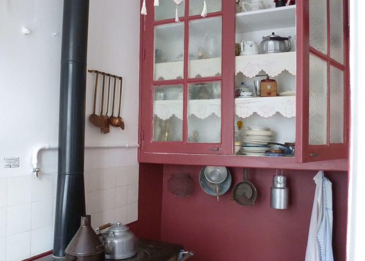 Visite D'un Appartement Des Années 30. à Lyon