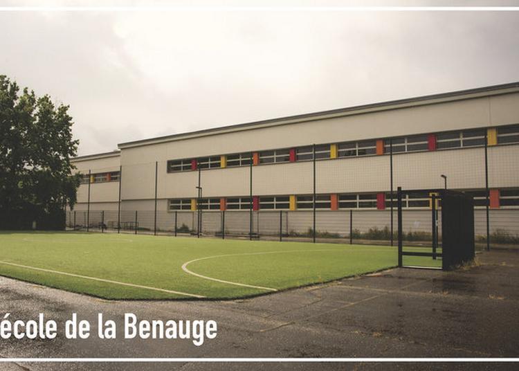 Visite D'une école De La Reconstruction D'après-guerre à Bordeaux