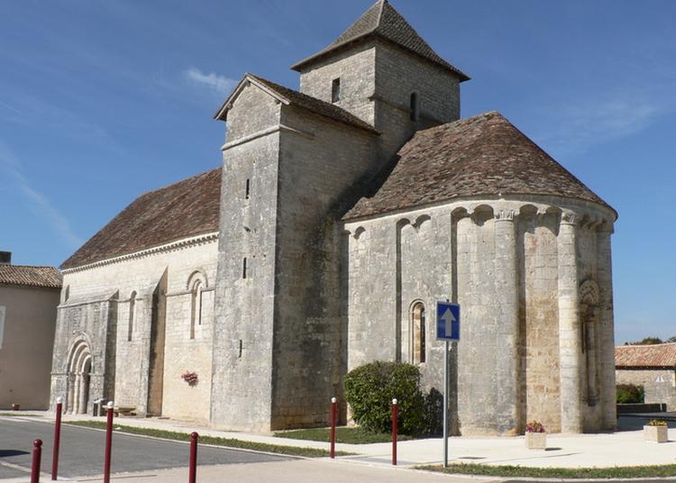 Visite D'une église Du Xiie Siècle à Limalonges