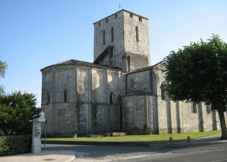Visite D'une église Du Xiie Siècle à Moulis en Medoc
