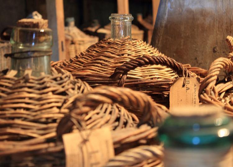 Visite De Fougerolles Et D'une Distillerie