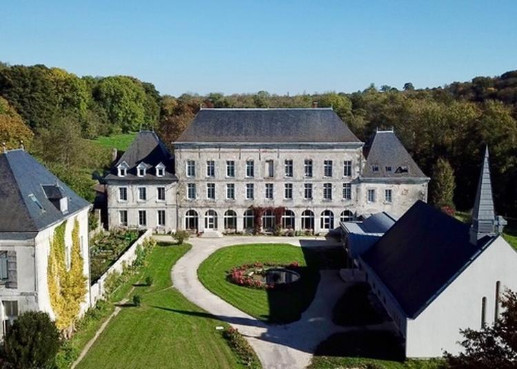 Visite De L'abbaye Et De Sa Chapelle Bioclimatique à Baye
