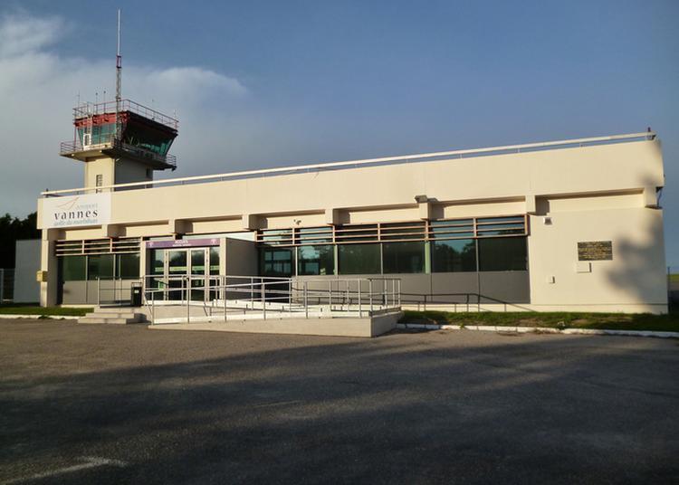 Visite De L'aéroport De Vannes-golfe Du Morbihan à Monterblanc