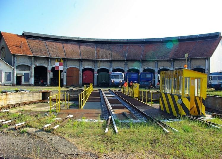 Visite De L'ancien Dépôt Sncf De Montluçon Et Des Matériels Ferroviaires Anciens Restaurés à Montlucon