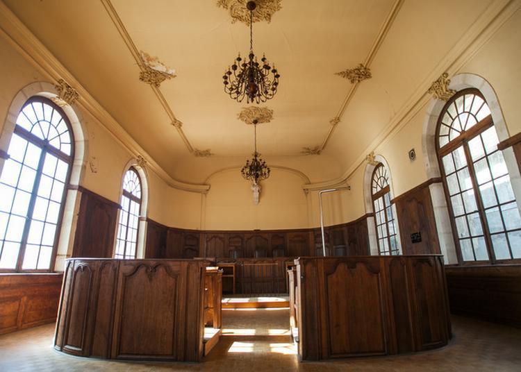 Visite De L'ancien Tribunal à Neufchateau