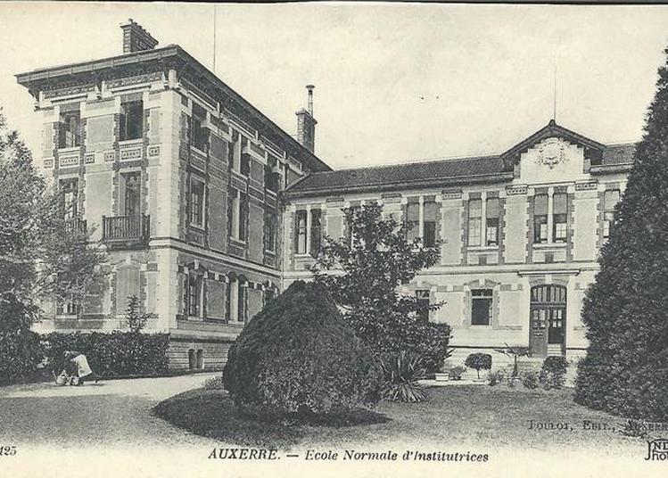Visite De L'École Supérieure Du Professorat Et De L'Éducation à Auxerre