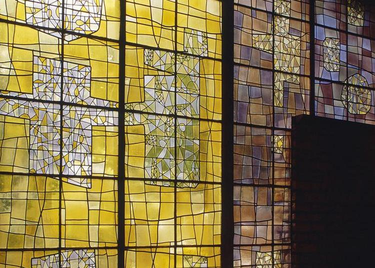 Visite De L'église Notre-dame-des-pauvres à Issy les Moulineaux