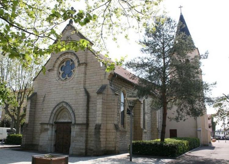 Visite De L'église Notre Dame Du Rosaire. à Saint Fons