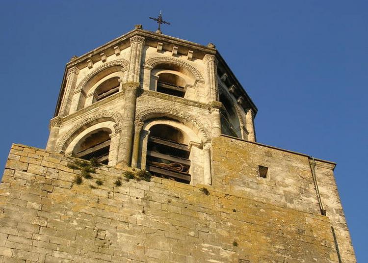 Visite De L'église Saint-michel à La Garde Adhemar