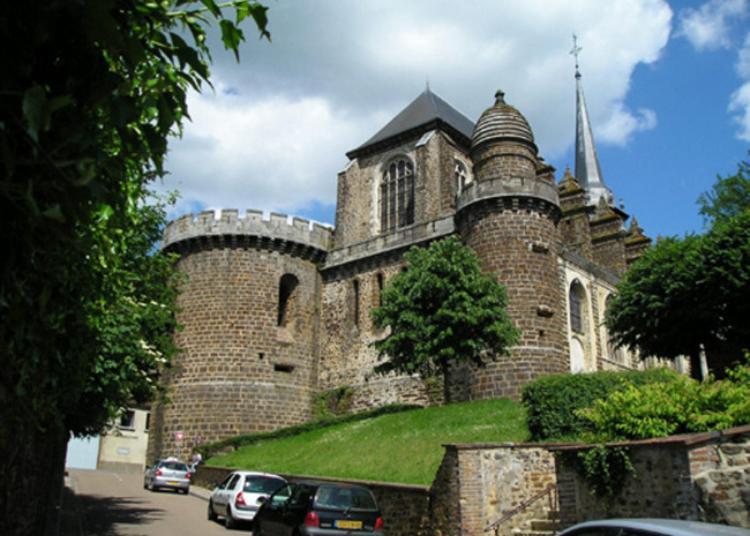 Visite De L'église Saint-pierre De Toucy