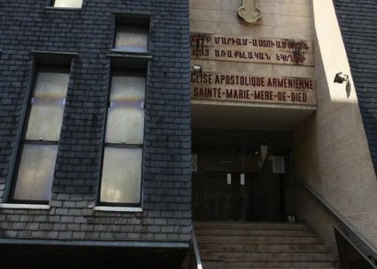 Visite De L'église Sainte-marie De L'eglise Apostolique Arménienne à Issy les Moulineaux