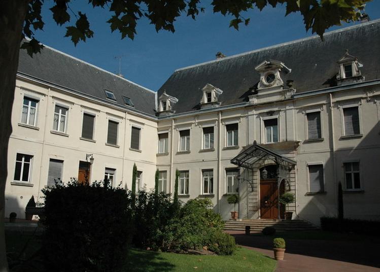 Visite De L'hôtel De La Préfecture De Saône-et-loire Et Ses Jardins à Macon
