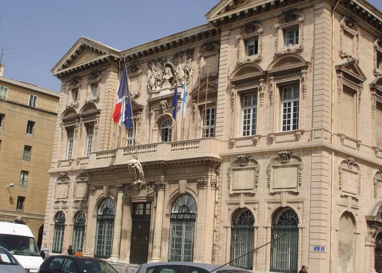 Visite De L'hôtel De Ville à Marseille