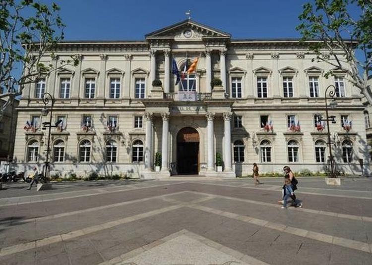 Visite De L'hôtel De Ville à Avignon