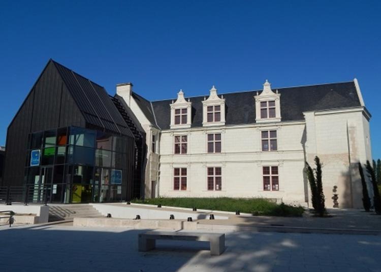 Visite De L'hôtel Et Découverte D'une Exposition à Chatellerault