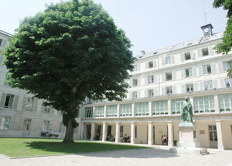 Visite De L'institut National De Jeunes Sourds De Paris à Paris 5ème