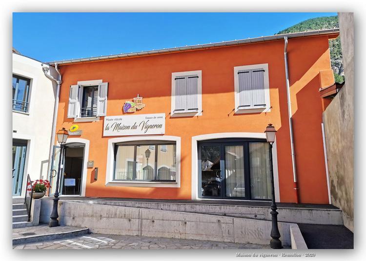 Visite De L'unique Musée Viticole Des Hautes-alpes à Remollon