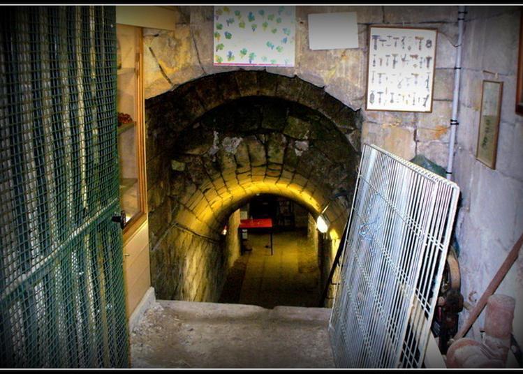 Visite De La Cave De L'hôtel Du Croissant à Beaumont sur Oise