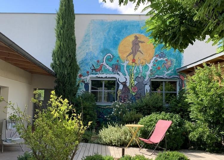 Visite De La Roseraie, Une Ancienne école De Dieulefit à L'Aigle
