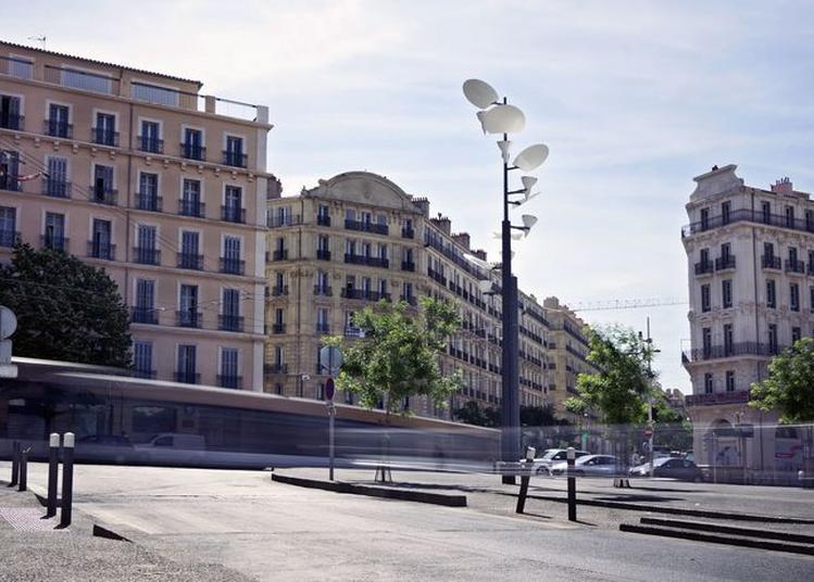 Visite De La Rue De La République à Marseille