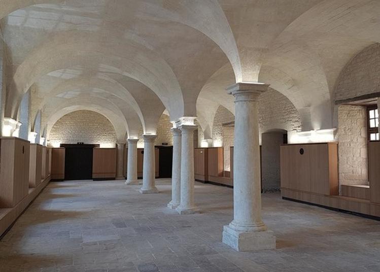 Visite De La Salle Capitulaire De L'abbaye à Saint Maixent l'Ecole