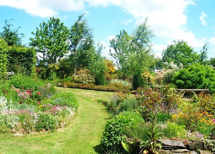 Visite Découverte Inédite D'un Jardin à Contrières à Contrieres