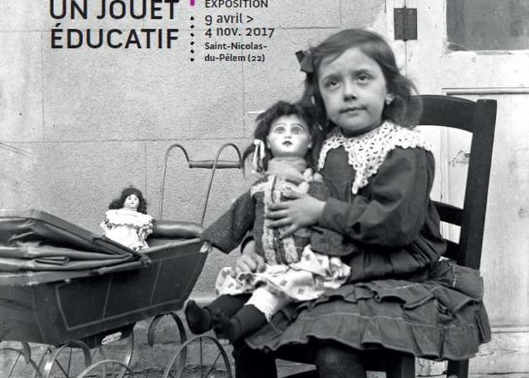 Visite Des Collections Du Musée De L'école Et Des Archives à Lanrivain
