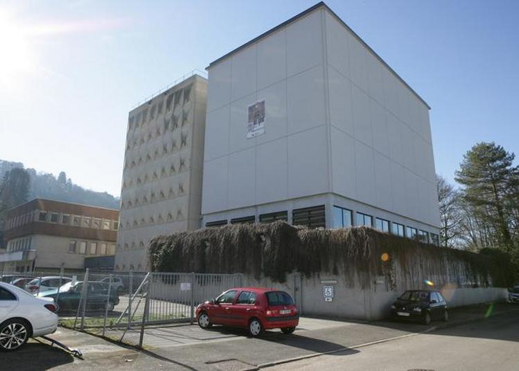 Visite Du Bâtiment Des Archives Départementales Du Jura à Montmorot