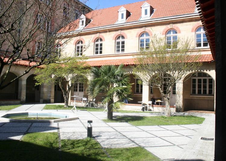 Visite Du Cloitre, De La Chapelle, De L'oratoire Du Séminaire, De La Bibliothèque à Bordeaux