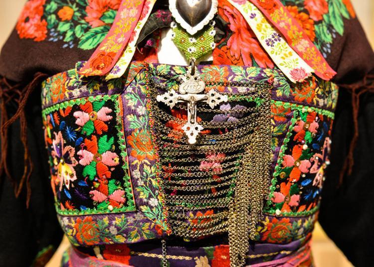 Visite Du Musée Des Costumes, Arts Et Traditions Populaires. à Saint Jean de Maurienne