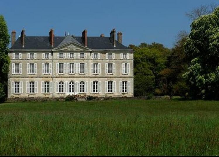 Visite Du Parc Et Des Dépendances Du Château De La Roche-noyant à Noyant la Gravoyere