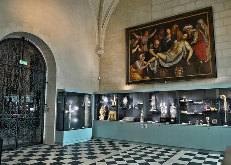 Visite Du Trésor De La Cathédrale à Angers