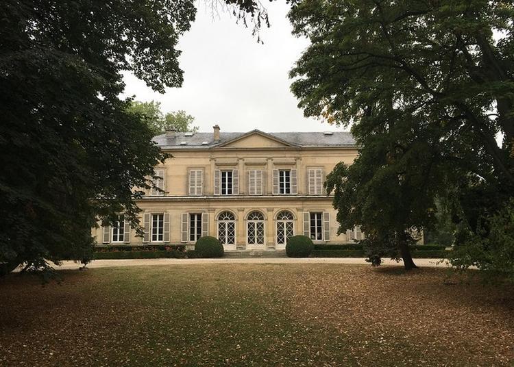 Visite En Extérieur Du Château De Courcelles à Saint Brice Courcelles