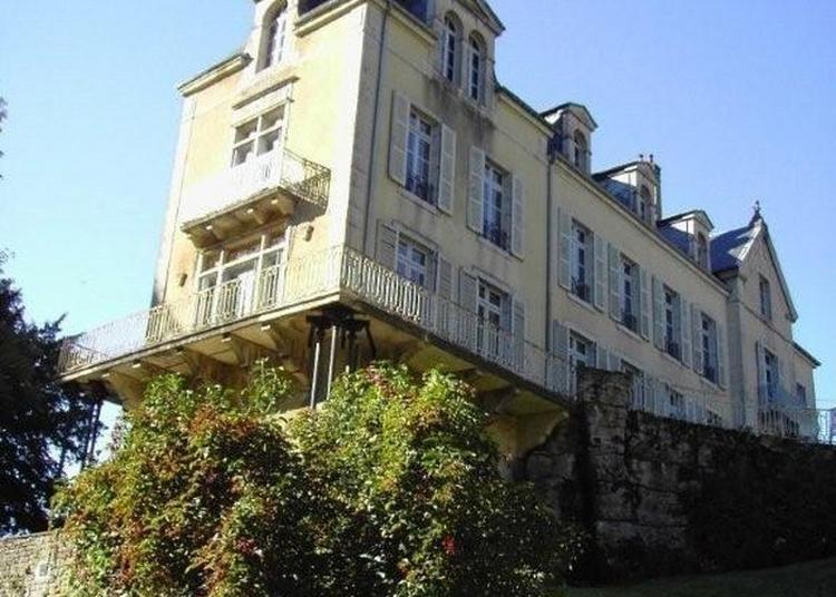 Visite Extérieure Du Château De Vaux-sur-poligny à Poligny