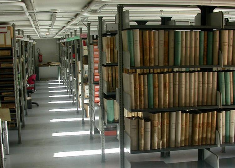 Visite Famille Du Bâtiment Des Archives De Rennes