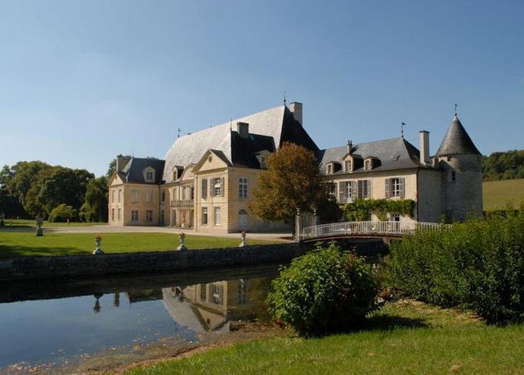 Visite Guidée D'un Château Du XVIe Siècle, Modifié Au Fil Des Siècles, Et De Son Parc à Silvarouvres