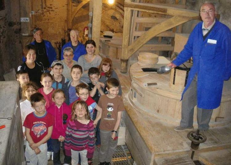 Visite Guidée D'un Vieux Moulin à Viviez