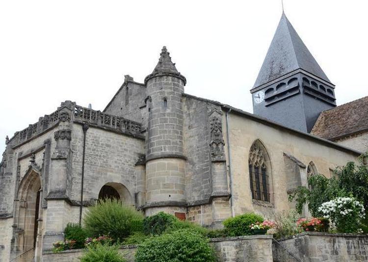 Visite Guidée D'une église Du XVIIe Siècle à Poissons