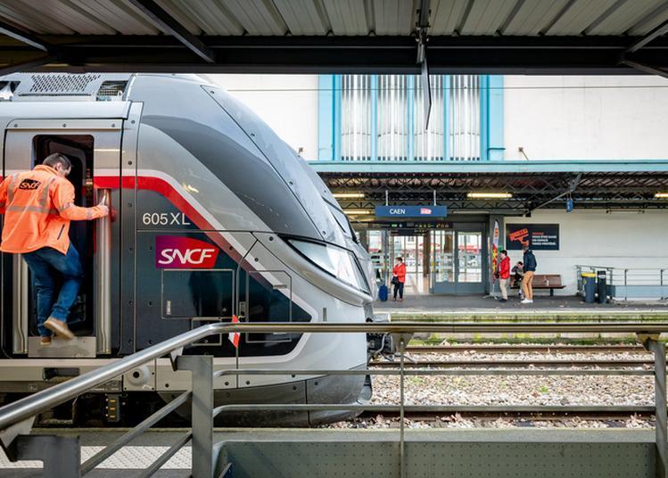 Visite Guidée D'une Rame Omneo Et Rencontre Avec Un Conducteur De Train à Caen
