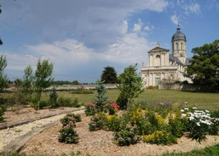 Visite Guidée De L'abbaye De Mondaye à Juaye Mondaye