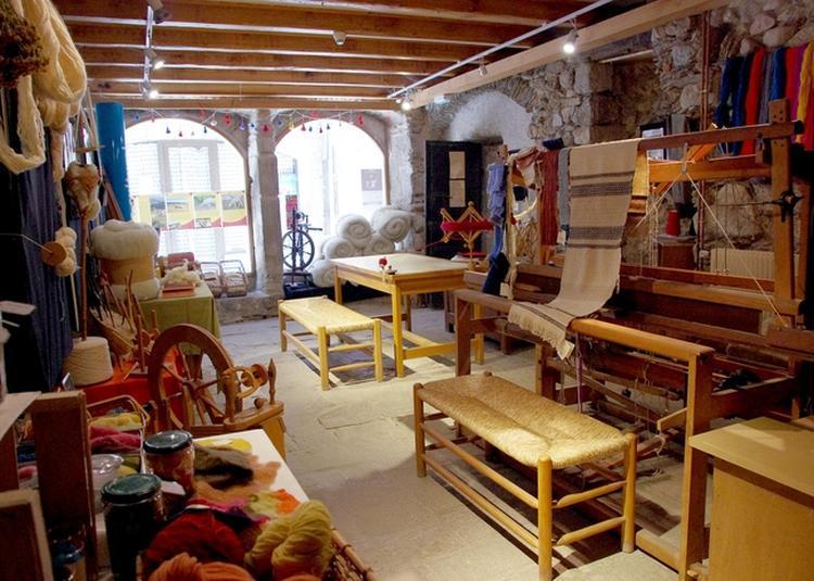 Visite Guidée De L'atelier Laines : Toutes étapes De Transformation De La Toison Au Bonnet ! à Genolhac