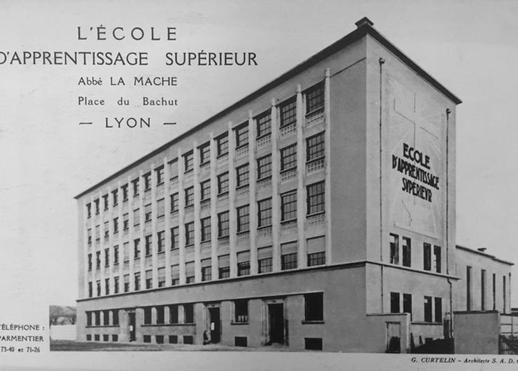 Visite Guidée De L'école La Mache Et Notamment Des Bâtiments Construits En 1934-36 Par Georges Curtelin. à Lyon