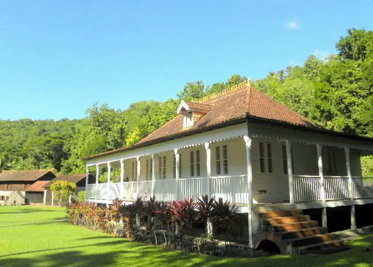 Visite Guidée De L'habitation Fond Rousseau à Schoelcher