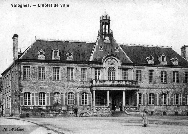 Visite Guidée De L'hôtel De Ville De Valognes Et Ses Collections